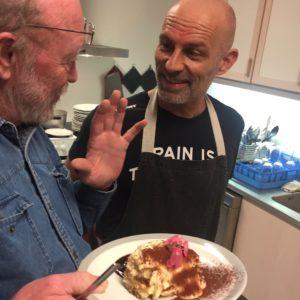 Frank har tidligere kreeret i Aarhus Sejlklub, her ved Fællestaflet i januar, hvor tiramisuen kommenteres af Poul Keller. Ja, det er ikke pasta det hele!